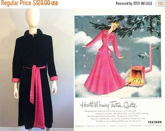 WW2 ENDS SALE Quilting My Heart's Delight - Vintage 1950s Black Quilted Velvet House Coat w/Hot Pink Cuffs Sash