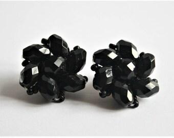 Vintage black earrings. Clip on earrings. French jet earrings