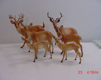 6 Vintage Plastic Deer / Reindeer / Does / Bucks / Fawns  17 - 709