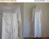 AWAY SALE 20% off vintage 1980s nightgown - FLUTTERING Butterfly nightie / M