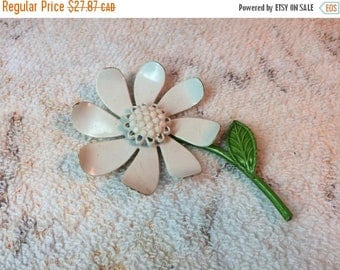 15% OFF Vintage Enamel Flower Brooch White and Green with Rhinestone Centre Retro Jewelry Accessories 60s 70s Mod