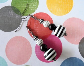 Black and White Striped Earrings (3944)