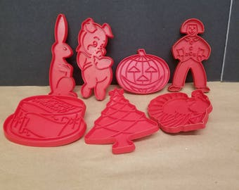 Set of 7 Vintage Tupperware Cookie Cutters