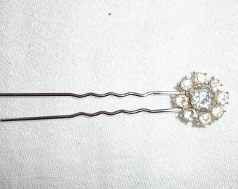 Vintage Lovely Bobby Pin Looks Like New Rhinestones