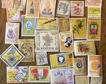 30 Worldwide Yellow Used Postage Stamps for paper crafting, collage, cards, scrapbooking, scrapbooks, decoupage, stamp collecting 1c