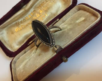 1930s vintage sterling Thomas L Mott faceted black Art Deco ring in silver mount - UK O or US 7 approx