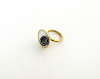 Cocktail Ring-Inclusion Ring-Resin White Ring-Contemporary Ring-Resin Ring-Contemporary Jewellery-Modern Ring-Modern Jewelry-Resin Art