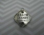 Rétro numéro Tag - mot pendentif ou breloque - Bracelet connecteur en métal Focal avec texte - Antique Silver - Qté 1 * article neuf *