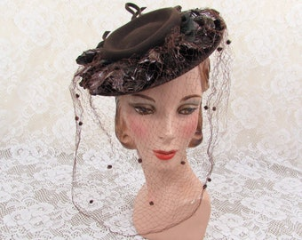 Vintage 40s New York Creations tilt hat - brown felt, cellophane, netting