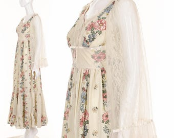 Gunne Sax Dress GYPSY WEDDING DRESS 70's Rare Prairie Folk Maxi Dress Floral Boho Gypsy Summer Dress Lace Angel Sleeves Corset Bodice xs