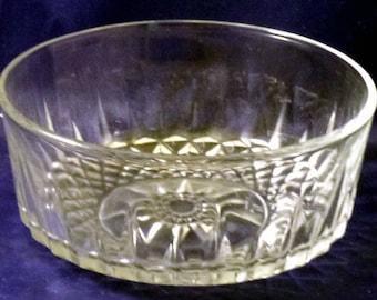 Vintage Arcoroc France Crystal Starburst Glass Bowl, 1980s