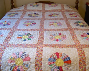 Vintage Patchwork Quilt Dresden Plate Heirloom Quilt Hand Quilted Large Mid Century 1950s