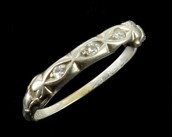 Antique Deco 18k White Gold Delicate 3 Diamonds .042 Cttw Band Wedding  Ring Sz 3.75