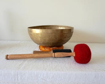 Singing Bowl Om Mani Padme Hum Large Bronze Bowl 10 inch diameter