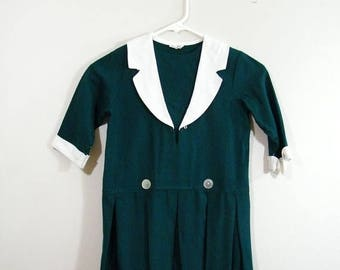20% OFF SALE Vintage 1960s Girls Dress / Hunter Green / Pleated Skirt