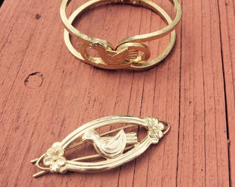 Vintage gold tone bracelet. Campfire girls Bluebird bracelet and barrette. Child's bracelet hair barrette set, 1960s girls jewelry.