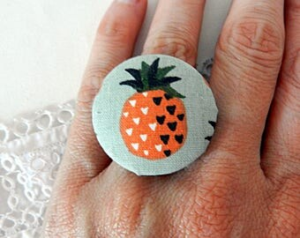 Adjustable fabric ring with pineapple