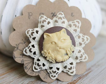 Unique Gifts for Sisters - Cat Brooch - Cat Pin - Cat Accessories - Cat Lover Gift - Cat Lady Gift - Cameo Pin - Cameo Brooch - Animal Pin