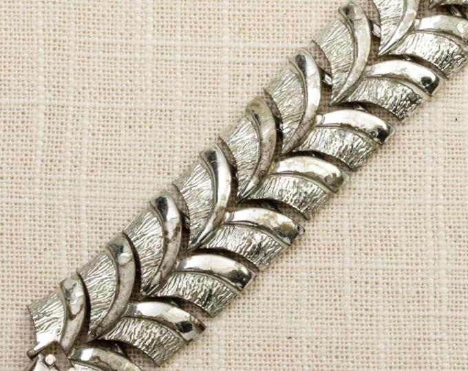 Coro Chevron Vintage Bracelet Silver Chunky Chain Costume Jewelry 16S