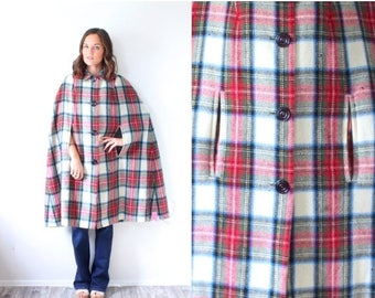 20% OFF JULY 4th SALE Vintage plaid winter cape coat // Large overcoat // checkered red green collared christmas coat // poncho // trench co
