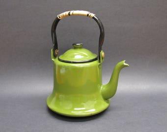 Vintage Avocado Green Enamelware Tea Kettle (E9605)