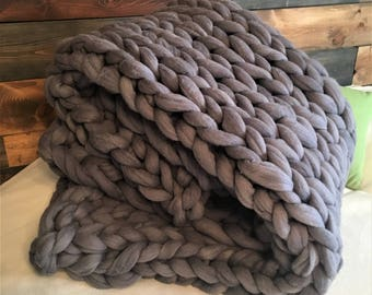 Chunky knit blanket, FREE SHIPPING, knitted blanket, Super bulky blanket, Large knit blanket, chunky blanket, wool throw, lots of options