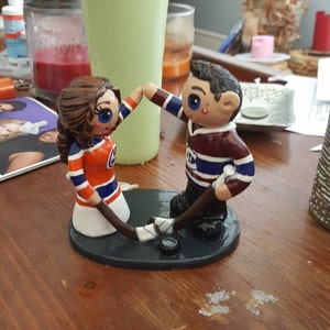 hockey wedding cake toppers canada hockey wedding cake topper and groom 15264
