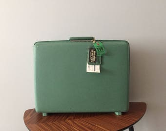 3 vintage suitcases | Etsy