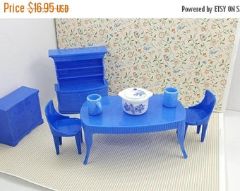 Superior T Cohn  Plasco  China Hutch  Table Chairs Dining room Doll House Toy Blue Hard Plastic  Blue
