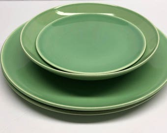 Universal Oven Proof Union Made USA Ballerina Jade Green 5 piece.