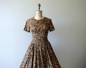Vintage 50s dress . 1950s brown rose print dress