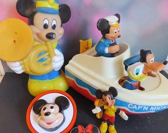 Vintage Mickey Mouse Illco Boat / Vintage 1960s Mickey Mouse / Vintage Disney Collectibles / Vintage Disney Figures / Mickey NightLight