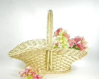 Ivory Woven Basket, Vintage Harry & David Gathering Basket, Farmhouse Decor