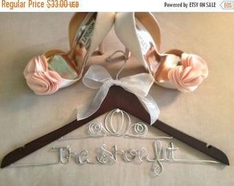 LOVE SALE Bridal Hanger / Brides CINDERELLA Hanger / Disney Hanger / Personalized Hanger / Disney Bride / Wire Name Hanger / Wedding Hanger