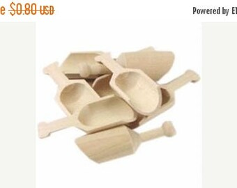 SALE 15% Sale Ends Sunday Mini Wooden Scoop, Buffet Candy Scoops, DIY Scoop,Wedding Favor Scoops,Bath Salt Scoop,Bridal Shower Scoop, Baby S