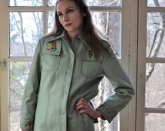 Mint Green Naugahyde Women's Jacket/Vintage 1970s/Retro Embroidered Faux Leather Dynamide Jacket/Kitschy Ugly Seventies Jacket/Size Small