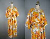 Vintage 1960s Flowered Cotton Kimono 60s Funky Flowers and Dots Robe with Tie Belt Size L/Open