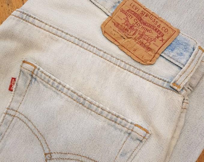 Vintage 80s pale wash Levi levis   501s high waist mom jeans 34 waist