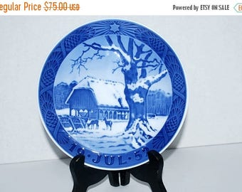weekend sale Royal Copenhagen  July 1952 plate   home decor    Made in Denmark