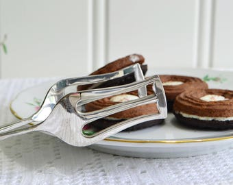 Slim cookie and sandwich serving tongs, vintage pastry server, silver plate