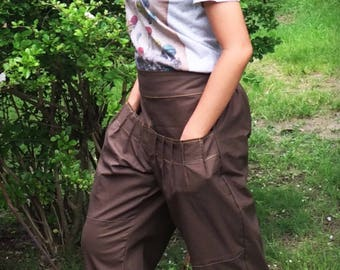 Baggy pants, Cotton, Brown w yellow stitching in a stylish design