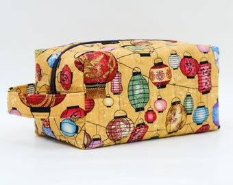 Colorful Lanterns Quilted Cosmetic Bag with Handle, Boxy Pouch; Boxy Bag; Make-Up Bag; Travel Bag; First Aid Kit; Shave Bag