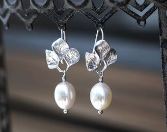 634_ Bridal silver leaves earrings, Pearls bridal earrings, Leaf silver earrings, Leaves jewelry, Bridal pearls jewelry Natural white pearls