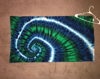 "Tie Dyed Bath Towel ~ i-7357 ~ 27 "" X 48"""