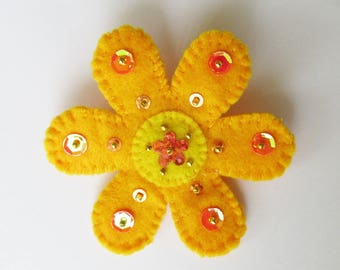 felt flower brooch, Boho flower brooch,  boho jewelry, handmade brooch, flower pin, flower jewelry, yellow  flower brooch, festival wear