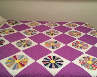 Dresden Plate Quilt / Feed Sack Quilt / Vintage Dresden Plate Quilt / Handmade Quilt / Purple Quilt / Vintage Quilt / Homemade Quilt