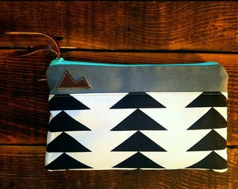 Canvas Mountain clutch/White with black triangle print/Gray canvas/Dark bro vegan leather details/Teal zipper/Swap out any state patch!