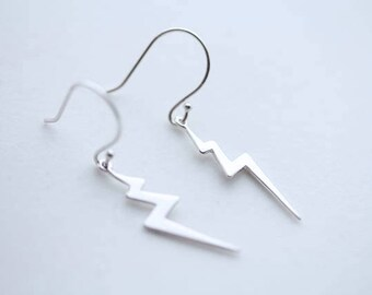 Thunder storm earrings, 925 Sterling silver Lightning bolt earrings. Silvr hook earrings, silver dangle earrings