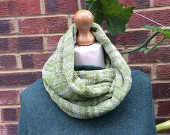 Green Circle wool scarf  - Mens Wool Infinity shawl - Womans infinity green scarf - Green and Grey snood - Gift for Snowboarder.