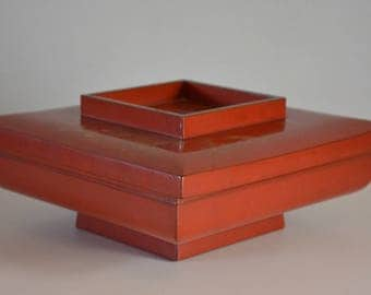 RESERVED FOR PHILIP Square lacquerware bowl with lid, vintage Japanese vermillion urushi lacquerware,gold minogame turtle design